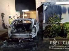 Autobrand slaat over op woning in Scherpenzeel