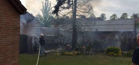 Dennenboom in Groesbeek door broei in brand