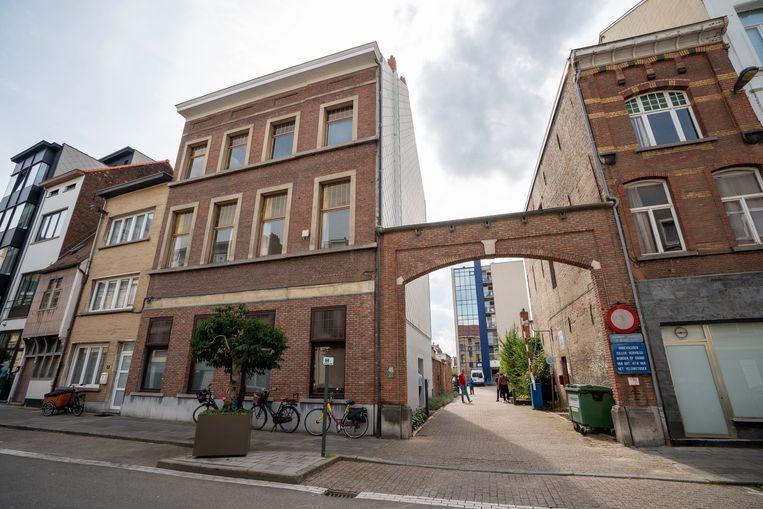 In dit Mechels pand komt het eerste transitiehuis van het land.  Beeld Photo News