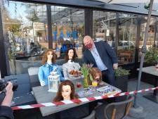 Terrassen in Oosterbeek en Arnhem 'open' uit protest tegen coronabeleid