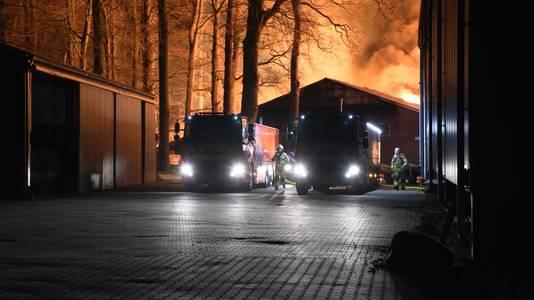 De brand in de hal met aardappels aan de Meddoseweg bij Groenlo.