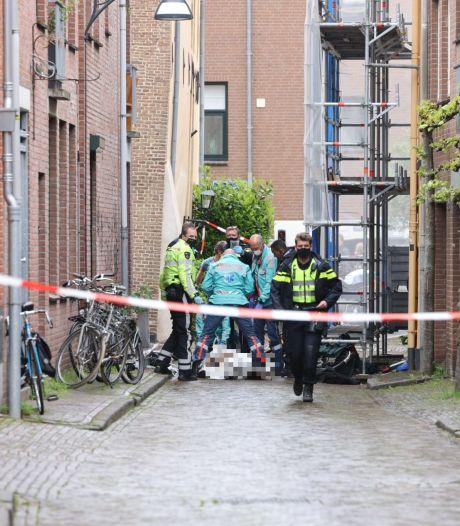 Nieuws gemist? Dodelijke steekpartij in Zwolle en feestende meute weigert te vertrekken in Deventer. Dit en meer in jouw overzicht