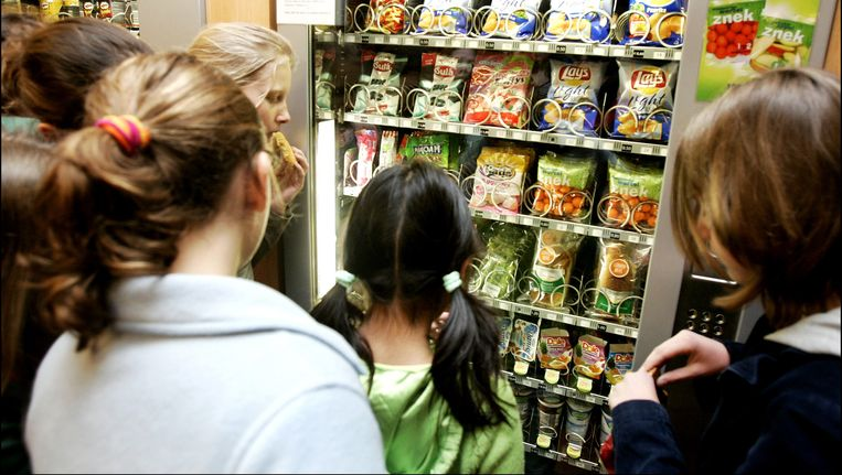 Van der Burg hoopt obesitas bij kinderen tegen te gaan. Beeld anp