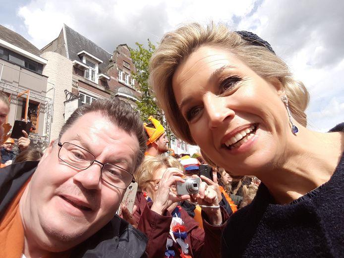 Richard van Veen ontmoet koningin Máxima in Tilburg op Koningsdag. ,,Hij was jaren bezig om dit voor elkaar te krijgen.''