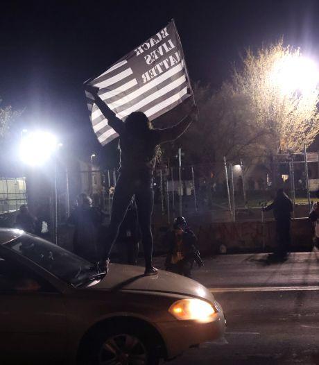 Nouvelle soirée de manifestations près de Minneapolis après la mort d'un ado abattu par la police