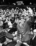 Joeri Gagarin tijdens zijn bezoek aan Londen.  (15/07/1961)