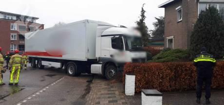 Heldhaftige omstander klimt in cabine van rijdende vrachtwagen en voorkomt ernstig ongeluk