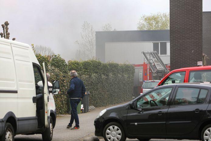 Medewerkers van een bedrijfshal in Vaassen wisten de bedrijfshal te redden door snel op te treden.