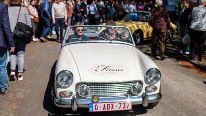 240 voertuigen in zonnige oldtimerrally