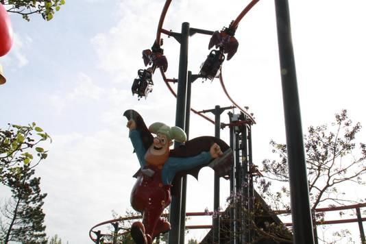 'De Vleermuis' is te herkennen aan een beeld van Kabouter Klus met vleugels.