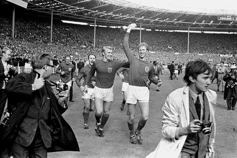 Charlton op Wembley na de WK-finale van 1966. Beeld BSR Agency
