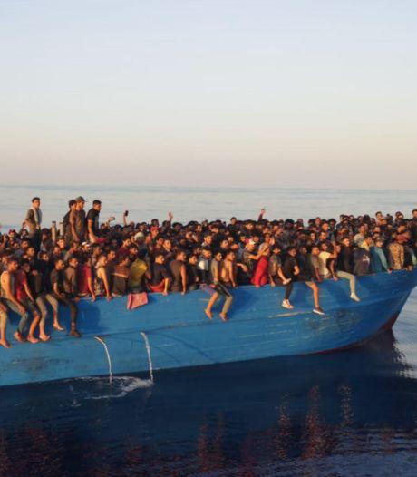 Meer dan 500 vluchtelingen in één boot aangekomen op Italiaanse eiland Lampedusa