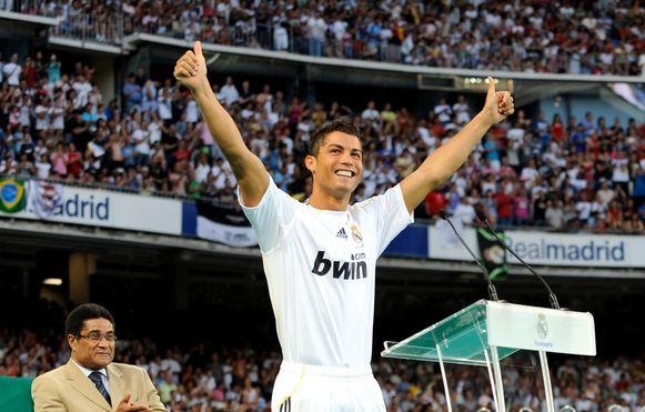 Cristiano Ronaldo bij zijn voorstelling in het Bernabéu-stadion van Real Madrid.