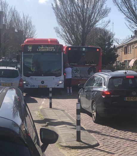 Bewoners Hortensiastraat willen straat blokkeren vanwege denderende bussen: 'Huilen met de pet op'