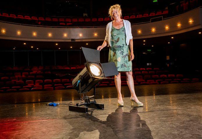 José van der Knaap, directeur van het Isala Theater: ,,Artiesten staan te trappelen om het podium op te gaan.''