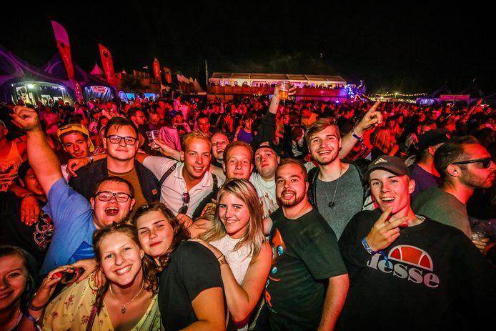 Het succesvolle dancefestival Land of love in Torhout.