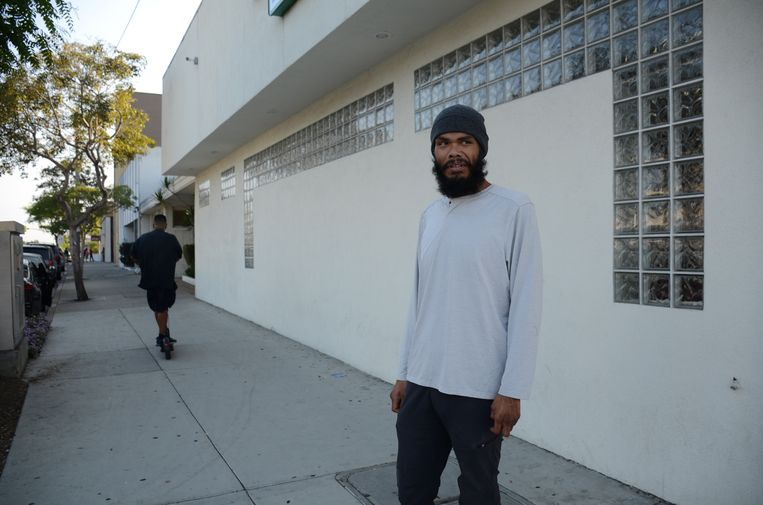 Emanuel Padilla (34) gaat meerdere keren per week de straat op om te demonstreren tegen ongelijkheid en racisme.  Beeld Mari Meyer