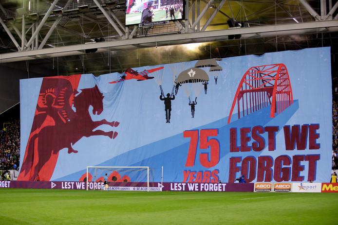 Spandoek bij de Airborne-wedstrijd Vitesse-Fortuna Sittard.