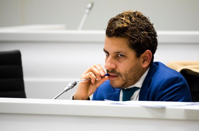 Sebastian Kruis (PVV) tijdens een vergadering van de gemeenteraad.