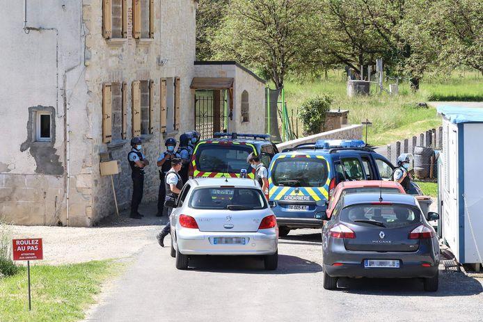 De Franse gendarmerie bij een controlepost in de omgeving van Le Lardin-Saint-Lazare.