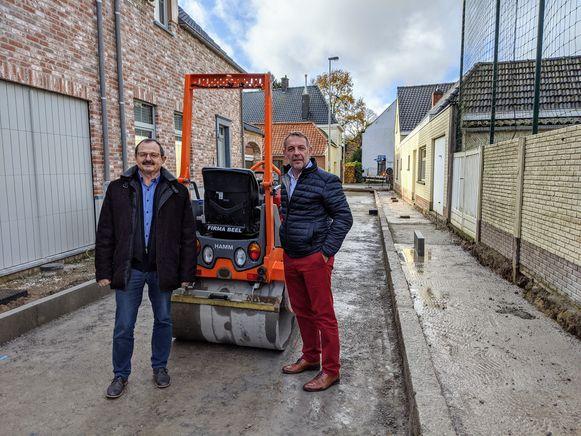Schepen van Openbare Werken Kurt Fonteyne (Open Vld) en burgemeester Luc Vander Meeren (Open Vld) aan Ridobel.