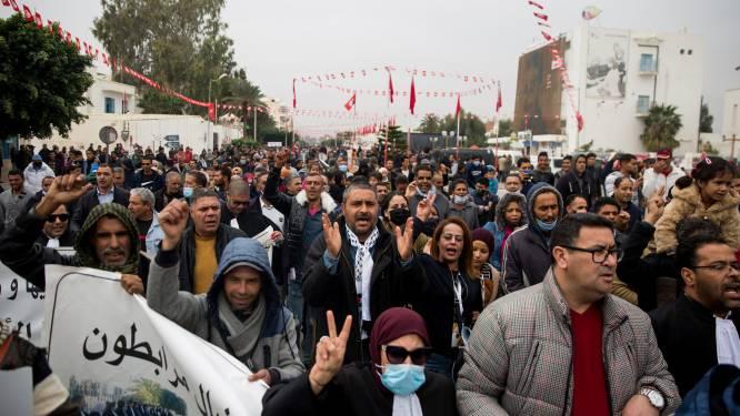 Tien jaar na de Arabische Lente: Tunesië werd een democratie, economie blijft hopeloze zaak