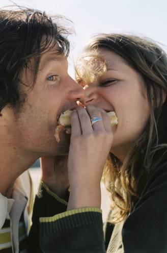 Wat als jij wil afvallen, maar in de verleiding wordt gebracht door je partner? Diëtiste Sanne Mouha legt uit hoe je verschillende eetgewoontes verzoent