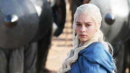 """""""Pornosites gaan op zwart wanneer 'Game Of Thrones' begint"""": actrice Emilia Clarke is opmerkingen beu"""