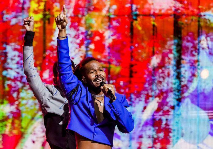 Bijna 30.000 zagen onder andere de Nederlandse inzending Jeangu Macrooy live op het podium. Van hen raakten er mogelijk 48 besmet tijdens de shows.
