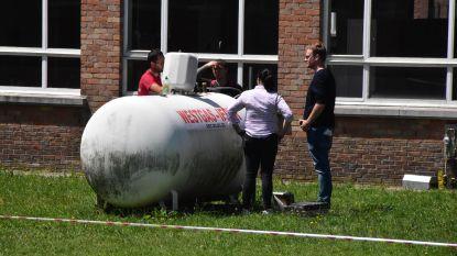 180 leerlingen geëvacueerd door sissende gastank op schoolterrein