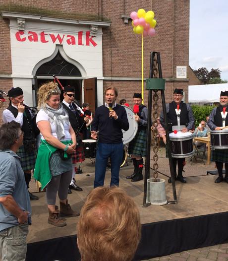 Directeur Rijksmuseum opent kunstmarkt Heerewaarden