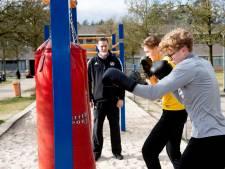 Apeldoornse boksclub start pilot voor sporten in de buitenlucht: 'Niet gestoten is altijd mis'