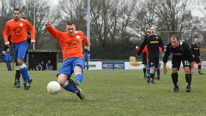Geoffrey van de Kamp (schot)  zorgde in de slotfase voor een puntje voor Ede/Victoria.