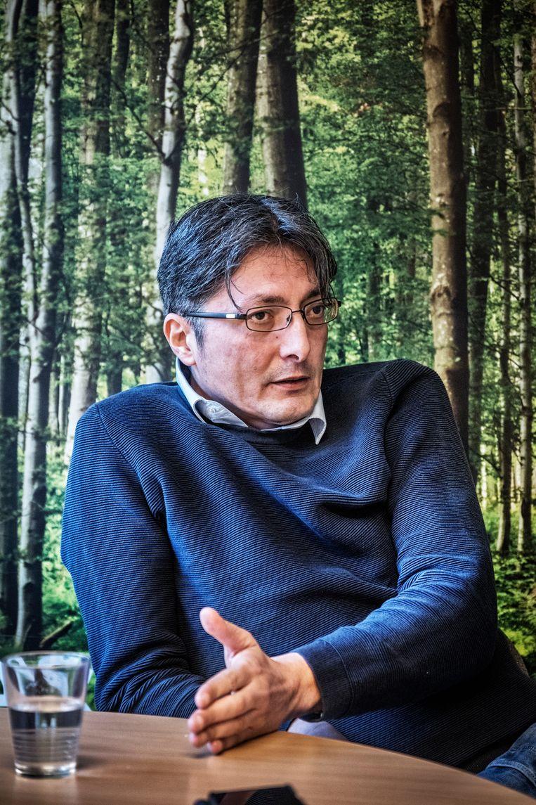 """Tarik Fraihi: """"Wat mij heeft rechtgehouden, en ik geef toe dat het niet mijn mooiste kant is, is mijn wraaklustigheid."""" Beeld Tim Dirven"""