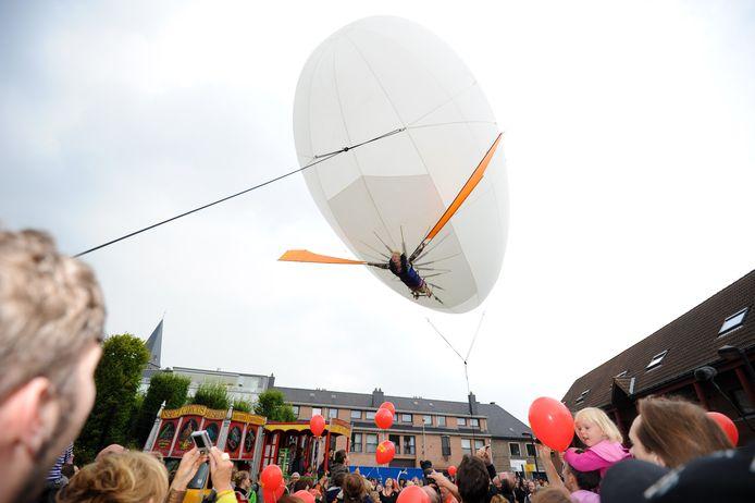 Ooit kon je met een Zeppelin vliegen op de Gentse Feesten. Het is dus niet de eerste keer dat zo'n vliegend ding voor een feestgevoel zorgt