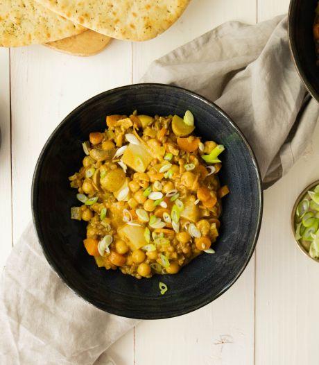 Wat Eten We Vandaag: Romige kokoscurry met aardappel en ananas