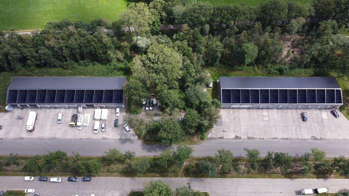 Zo'n 420 zonnecollectoren voorzien 53 ondernemers op Bedrijvenpark Veldhuizen in Loenen van stroom.