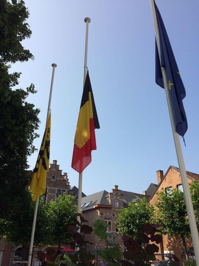 Stad Aarschot herdenkt slachtoffers corona en noodweer.