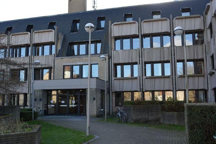 De man daagde niet op in de rechtbank van Veurne.
