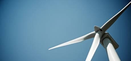 Hoenzadriel ziet aan alle kanten windmolens op zich afkomen