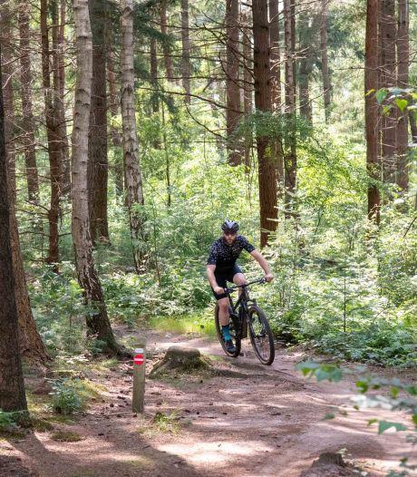 Harderwijkse mountainbikers vrezen dat er een einde komt aan vrij fietsen in het bos