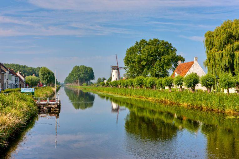 De Damse Vaart in Hoeke krijgt een nieuwe brug.