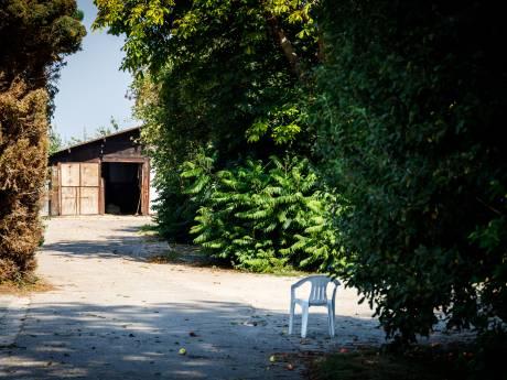 Verdachte (64) woonde samen met zijn 92-jarige moeder naast enorme cocaïnewasserij in Nijeveen