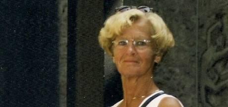 Joke (80) omarmde met heel haar hart: 'Ik hield haar hand vast en zo gleed ze langzaam weg'