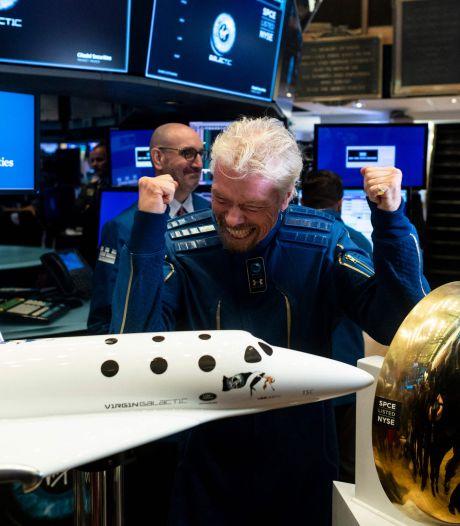 Richard Branson negen dagen eerder de ruimte in dan Jeff Bezos