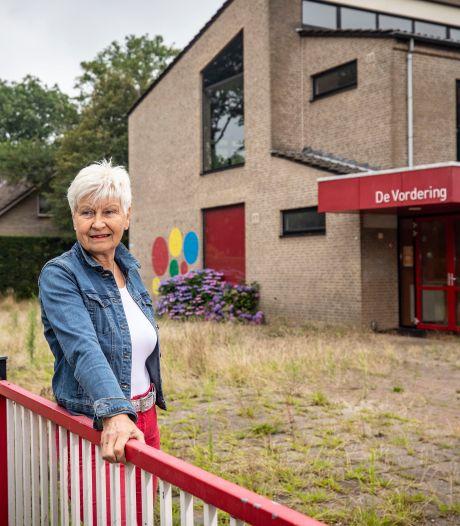Plein verpauperde school in Vorden wordt schoongemaakt en opgeknapt: 'Ik hoop dat dat structureel wordt'