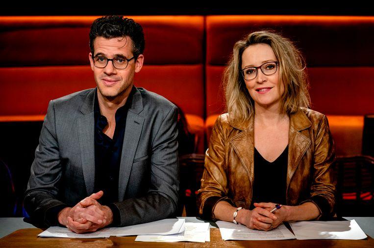 Erik Dijkstra en Willemijn Veenhoven, het eerste presentatiekoppel van talkshow Op1. Beeld ANP