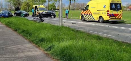 Veel schade bij ongeval tussen vrachtwagen en auto in Wehl