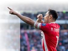 Bloemen voor Guardado  vanwege duel 100 voor PSV