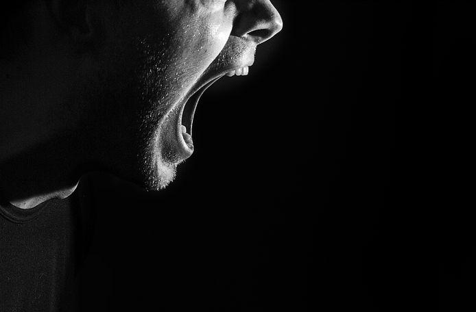 Foto ter illustratie. Danny R. beticht zijn zwager ervan dat hij doodsbedreigingen en dreigementen met brandstichting bewust heeft uitgelokt. De Zwolse verdachte bivakkeert nu in de Van Mesdagkliniek in Groningen, waar hij onder dwang verpleegd wordt.